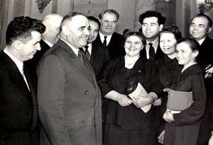 300px-Gheorghiu-dej_Ceausescu